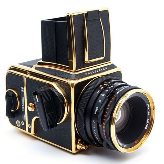 image: hasselblad camera by rairobledo