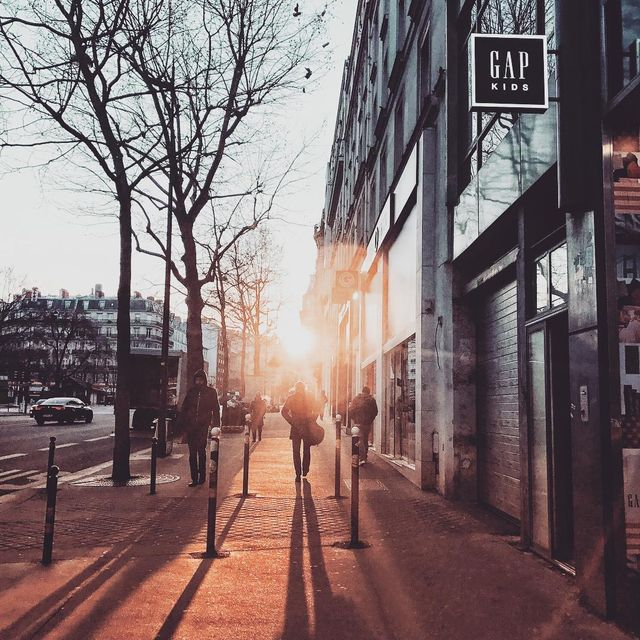 image: Street sunrise✨Do you shoot in the morning before start your job? #paris #ShotoniPhone by seb_gordon