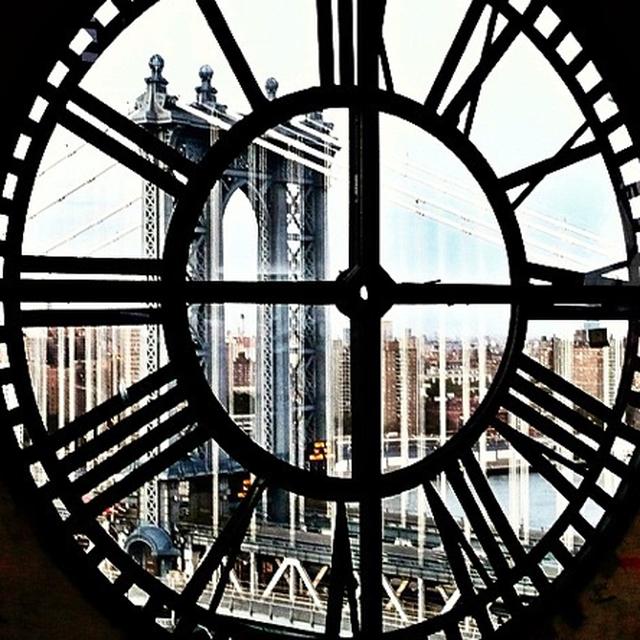 image: Through the clock by adrianasantos