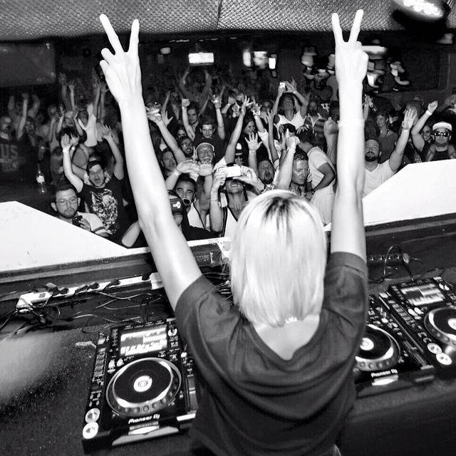 image: #nakadia #live #techno #budapest #hungary #corvin #club ✌🏼🙎🏼✌🏼 have a nice weekend everybody! 💥 by nakadia_music