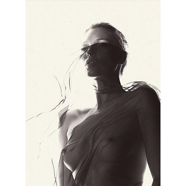 image: mon.tagne.sacrée - kate moss para playboy by mon_tagne