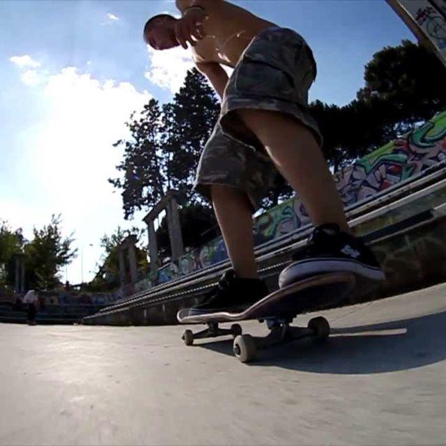 video: Madrid Skatebusters by lamanzanarodante