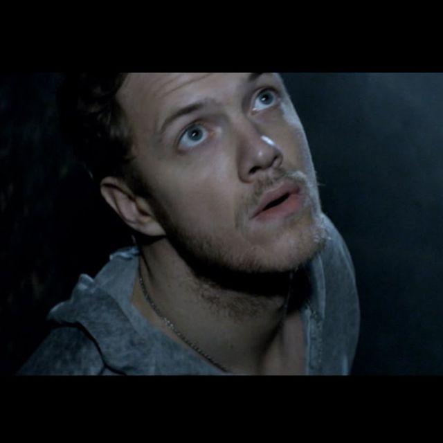 video: Imagine Dragons - Radioactive by ninaestaenblanco