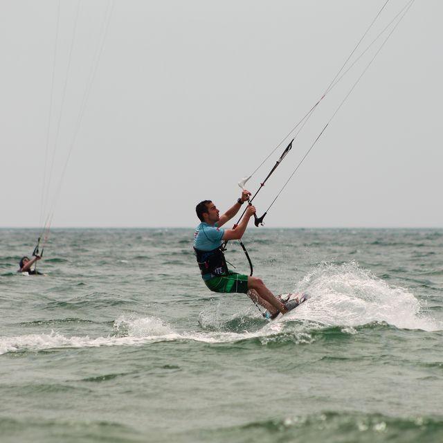 image: Kitesurf Tarifa by Esteban