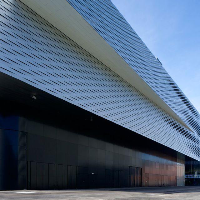 image: herzog & de meuron: messe basel exhibition hall by victoriakratoch