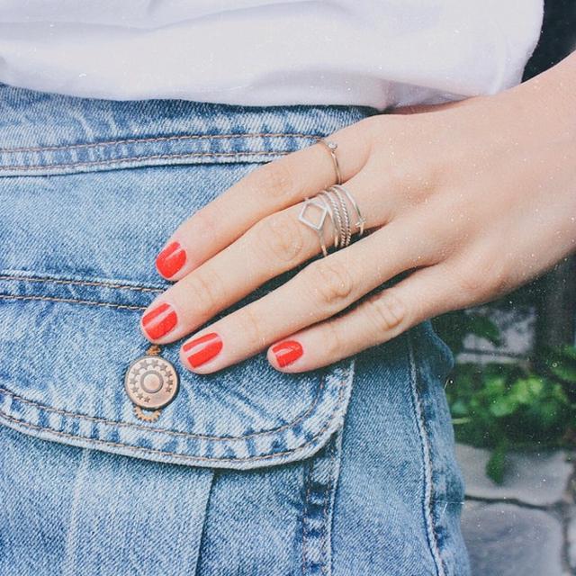 image: Essie + Aran jewels by mariafrubies