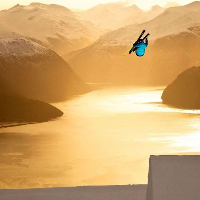 video: THE ART OF SKIING. AWESOME! by luciaode