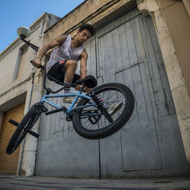 image: Whip it! @varohernandez #bmx #bmxbcn #flatland #bike #blue by moya_flat