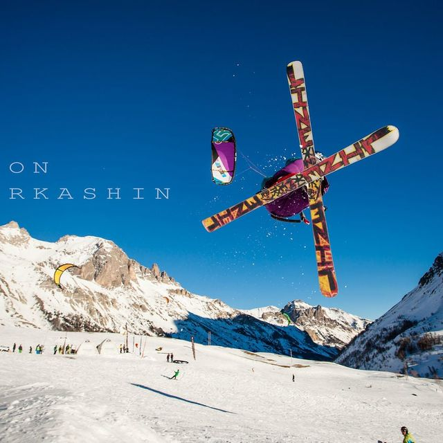 video: Snowkite in Serre-Chevalier by Mathiouzzz