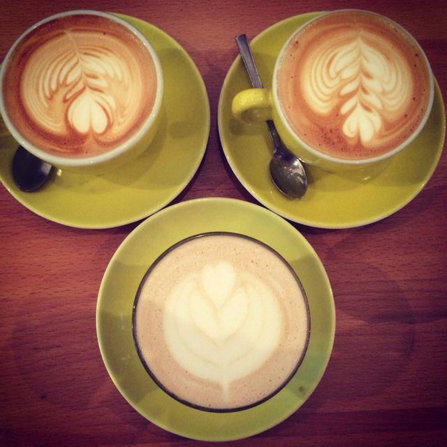 image: Hollybelly Café @ Paris by wuxu