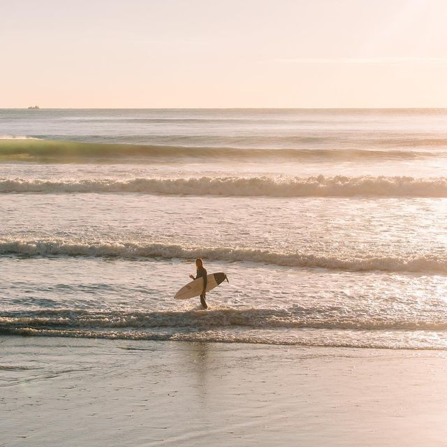 image: Sunrise missions to the north coast.. can't wait to be back out...Photo @ellenmarytaylor by tiago_kerber