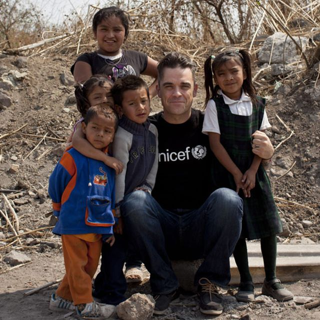 post: Robbie Williams & UNICEF for the children of Syria by andres-calamar-oh