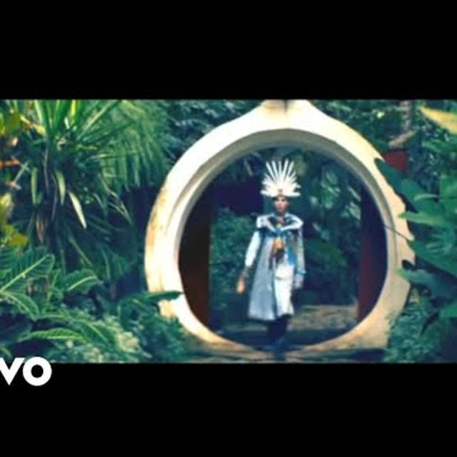 video: Empire Of The Sun - We Are The People by larsson