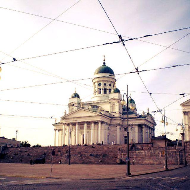 image: HELSINKI by estherasensio