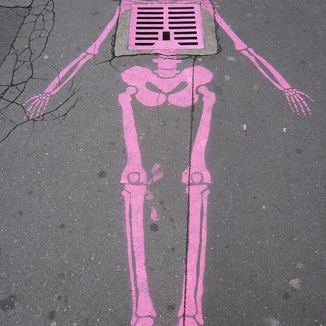 image: skeleton by dinacomm