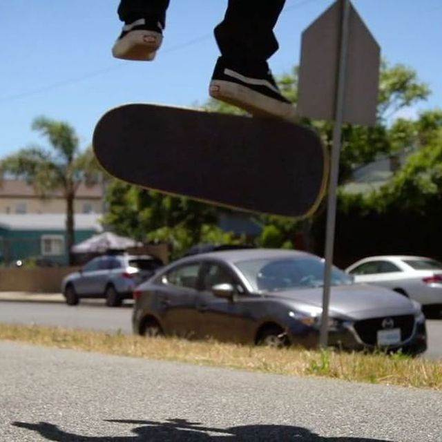 image: @TimCast / Hangten Hardflip / #ShortSided 🔥...#timpool #hangtenhardflip #lateflip #brettnovak #bragic #shortsidedseries by brettnovak