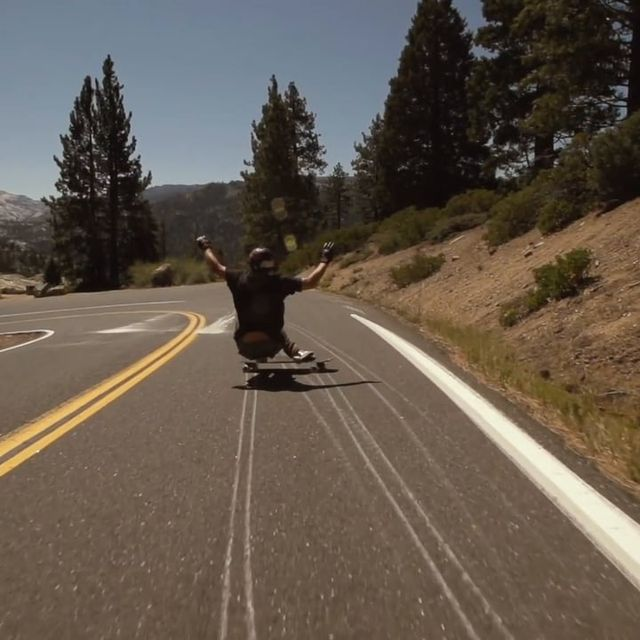 video: Arbor Skateboards :: James Kelly by fer