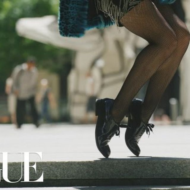 video: Watch Your Step: Moonwalking in Fall's Best Shoes by samyroad