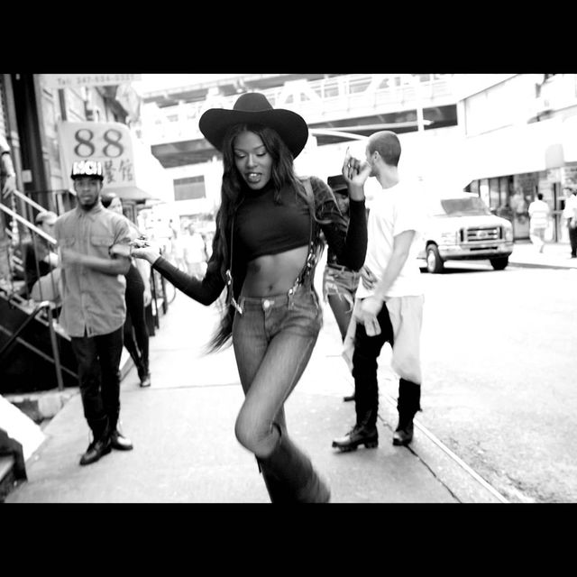 video: AZEALIA BANKS - LUXURY by casnicolas