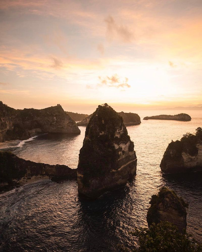 image: Gorgeous sunrises over the coast of Nusa... by josiahwg