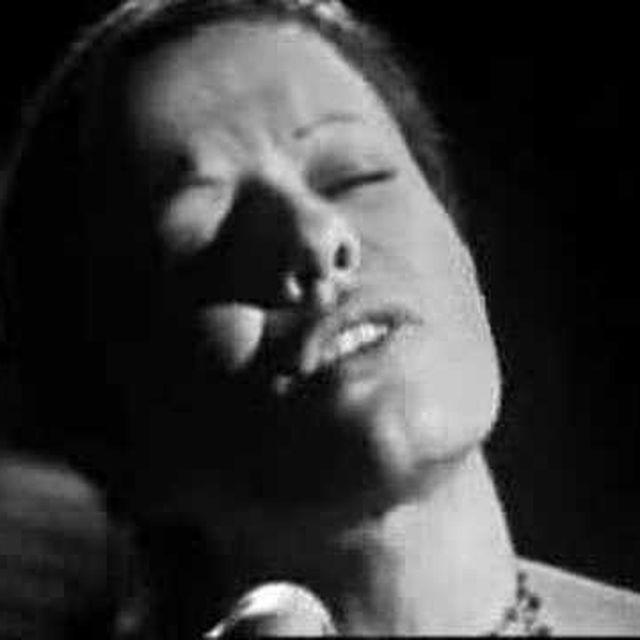 "video: Elis Regina canta ""20 Anos Blues"" by taroi"