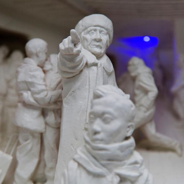 "image: Jiannan Wu @jiannan_wu - Franklin Station (resin/wood/light bulb) 10"" x 22.5"" x 13"" 2017 [detail] #jiannanwu photo: @stonezhuart by durmoosh"