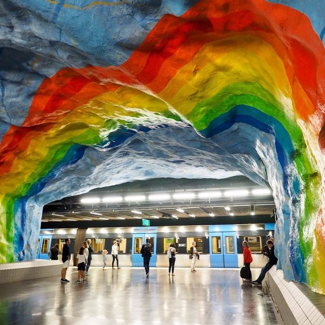 image: It might seem weird for me to tell you to visit a city and then spend hours of your time there underground - but in Stockholm it's actually good advice! Here the metro system is essentially one big long art exhibit; roughly 90 of the city's 100 subway... by dangerousbiz