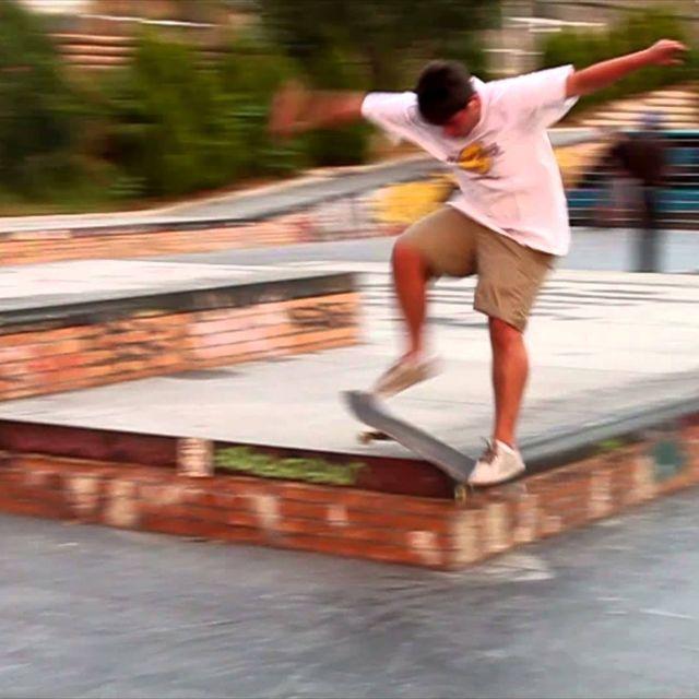 video: Hakuna Matata. Skate & Fun by lamanzanarodante