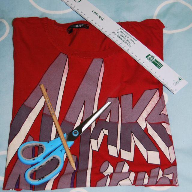 post: DIY: Recorta tu camiseta.   by mariosanchezjimenez