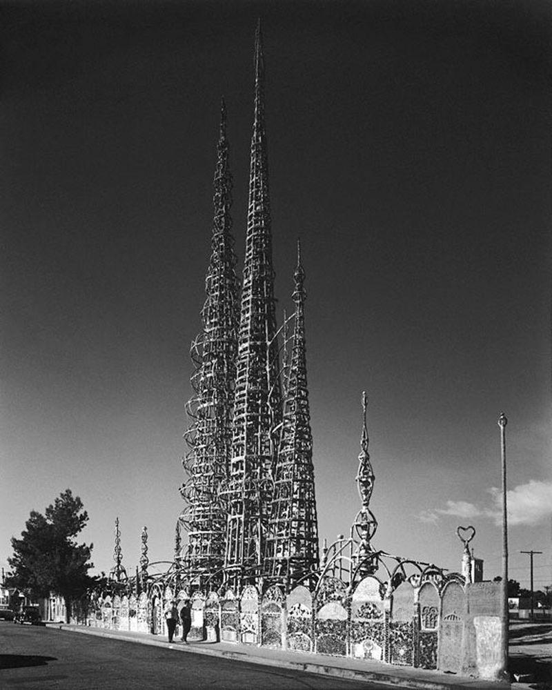image: Café Naïveté: The Watts Towers, Los Angeles by merilin-kook