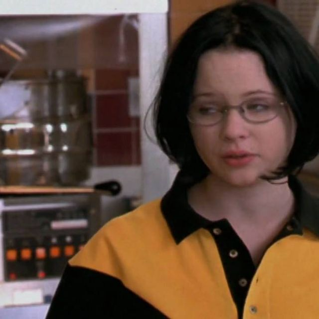 video: Ghost World (Official Trailer) by rocio_olmo
