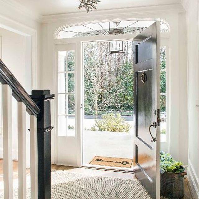 image: beautiful doorway by macarenaobregon