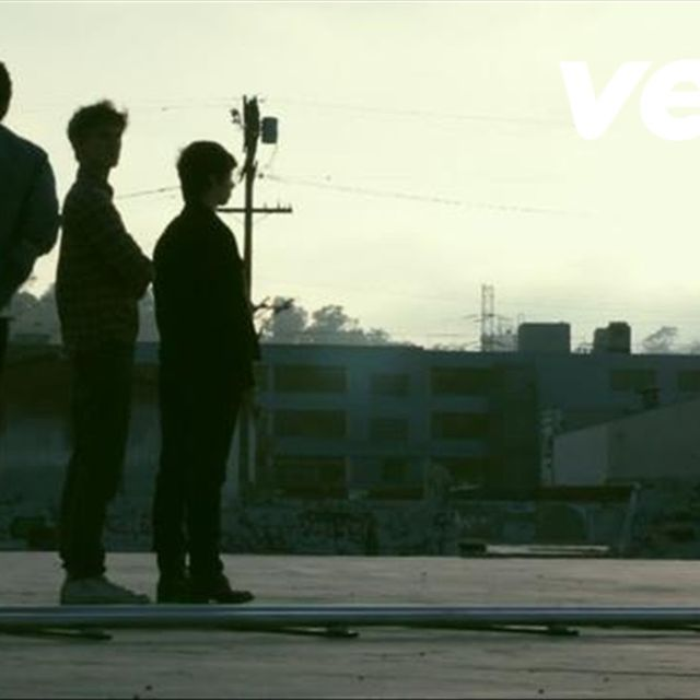 video: Foster The People - Pumped Up Kicks - YouTubester by idecidehowilive