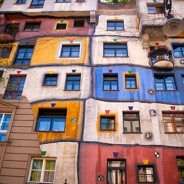 image: Hundertwasser, Viena by aaragues