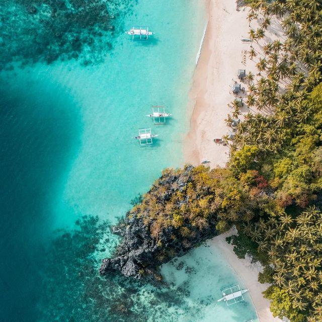 image: ?? Ces plages de rêve des Philippines, impossible de s'en lasser.  by escape_your_life