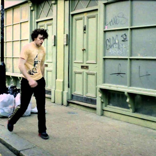 video: R.E.M. - ÜBerlin (Official) by andreagenova