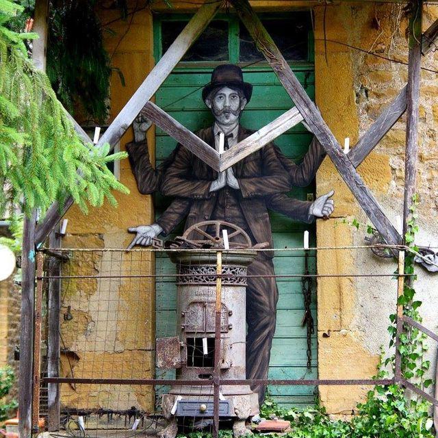 image: - Le saint Patron - (détail) @mausa.officiel by levaletdessinderue