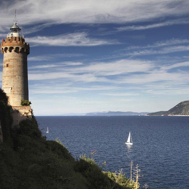 image: isla de elba by hamilton