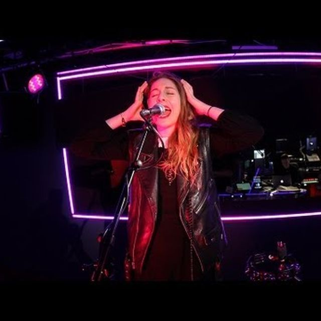 video: HAIM cover Miley Cyrus' Wrecking Ball by stiina