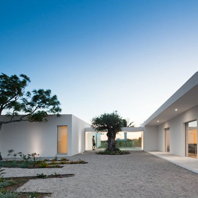 image: House in Tavira by Vitor Vilhena by goyette