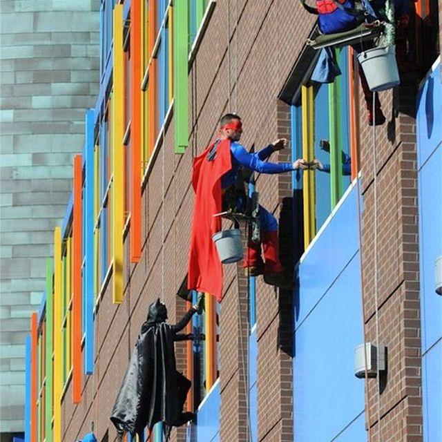 image: Superhero window cleaners by paulojfutre