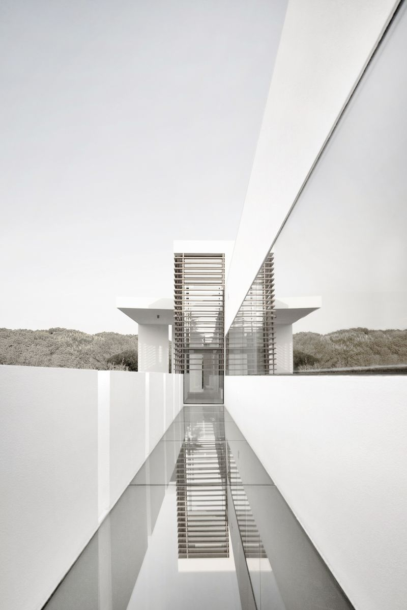 image: Casa Vale do Lobo - Arqui+ by kortvex
