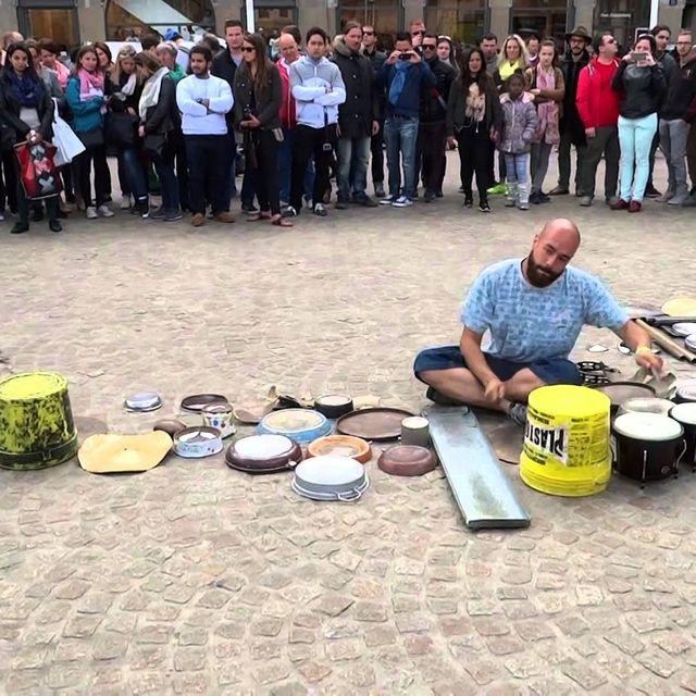 video: Dario Rossi at the Dam Square Amsterdam by gusan