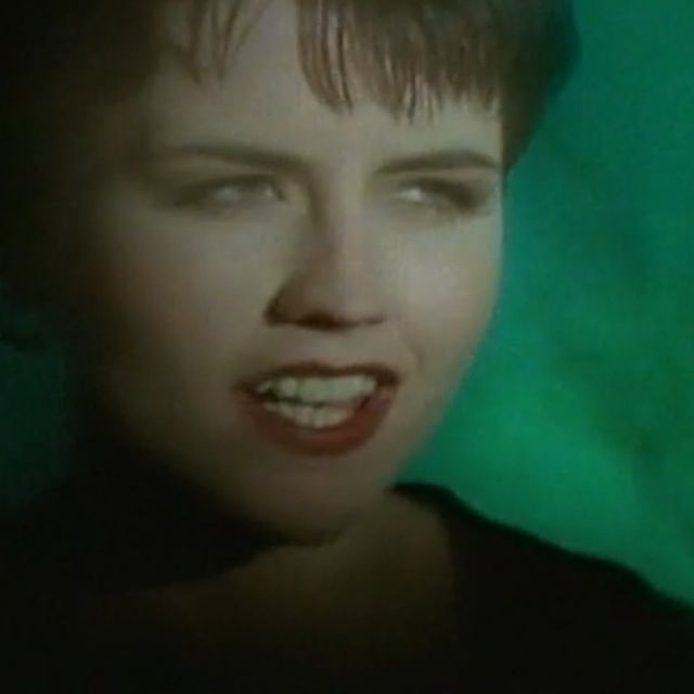 video: The Cranberries - Dreams by lovelesslydia