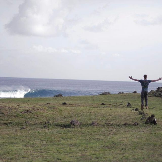 image: Lets goo! #rapanui 🗿📷 @criptaimagen by natxogonzalez