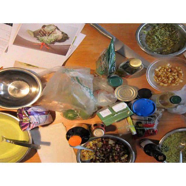 video: Cabecera Comida Al Diente by atographix