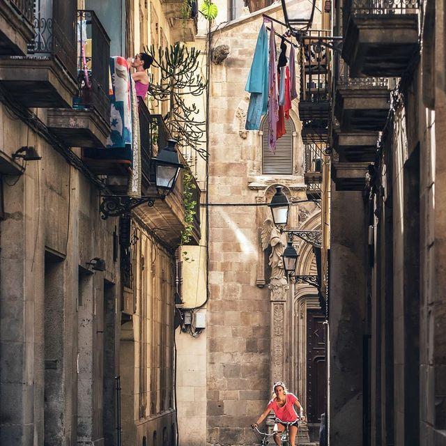 image: Daily juggling | Malabarismos cotidianos #nicanorgarcia #architecture by nicanorgarcia