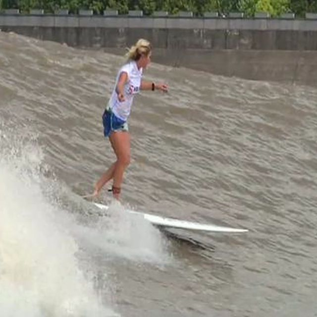 """video: Surfing China's tidal bore the """"Silver Dragon by bolt"""