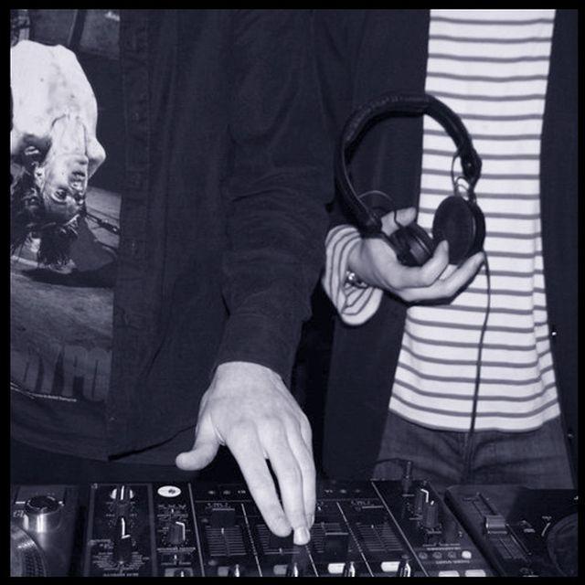 music: Job Jobse \u0026 Luc Mast - Trouw op Zondag by gusan
