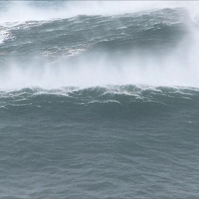 video: XXL Waves in the Basque coast- 28/01/2014 by veronik
